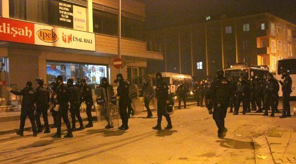 Sancaktepe'de Göstericilere Polis Müdahalesi