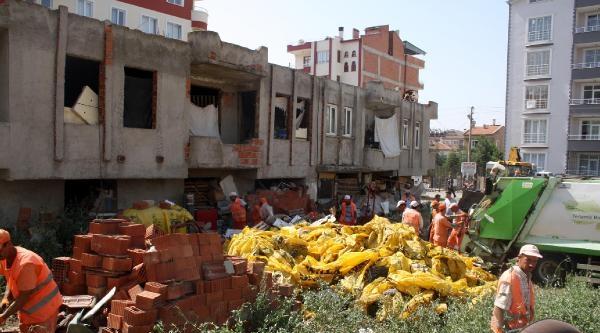 Sandıklı'da Aynı Eve Yine Çöp Operasyonu