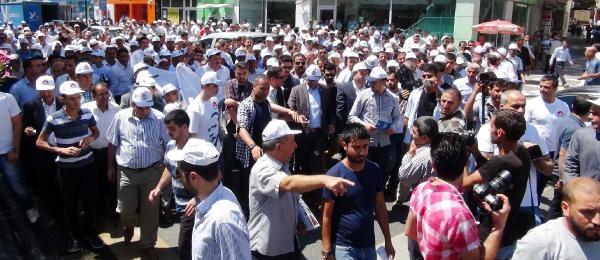 Şanliurfa'da Ak Partililer Erdoğan'a Bağış İçin Kuyruğa Girdi