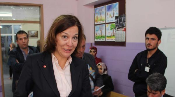Şanliurfa'da Başkan Adayları Oyunu Kullandı