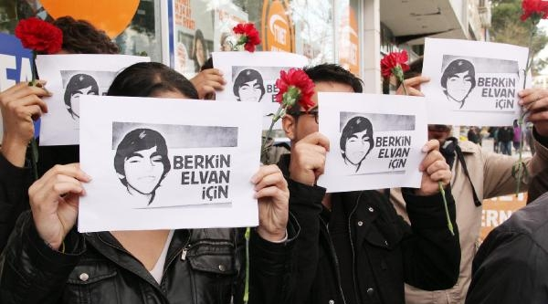 Şanliurfa'da Chp'liler Berkin Elvan'ı Anmak İçin Ekmek Dağıttı