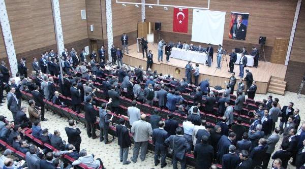 Şanliurfa'da Dershaneciler Istişare Toplantisini Terk Etti