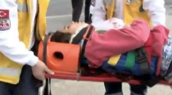 Şanliurfa'da İki Otomobil Çarpişti: 5 Yaralı