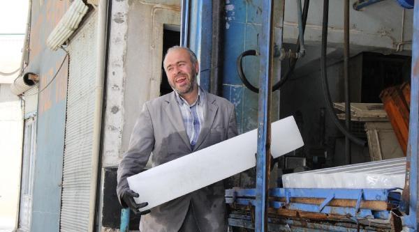 Şanliurfa'da Kalıp Buz Satışı Arttı
