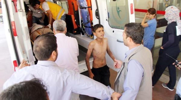 Şanliurfa'da Kamyon Devrildi: 5 Yaralı