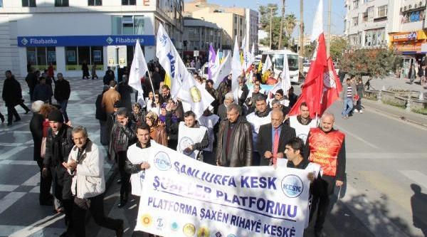 Şanliurfa'Da Kesk Üyelerinden 'ayakkabi Kutulu' Eylem