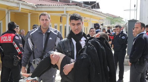 Şanliurfa'da Maçta Kavga Eden Liselilere Gazlı Müdahale