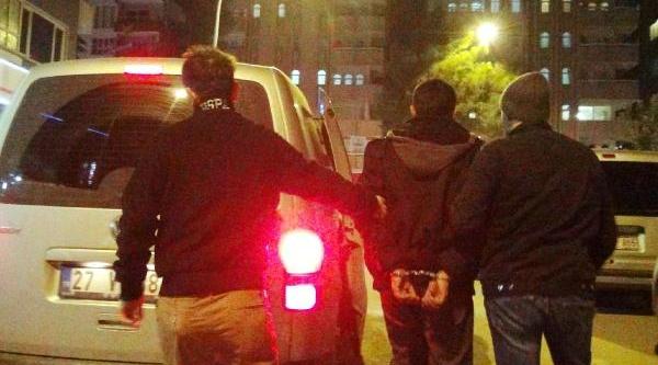 Şanliurfa'da Öğrenci Derneği'ne Baskin: 1 Gözalti