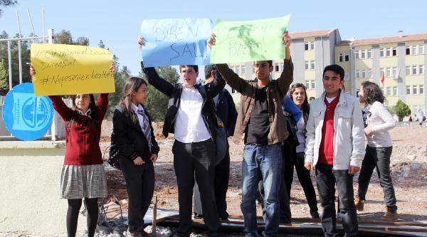 Şanliurfa'da Öğrencilerden Ağaç Eylemi