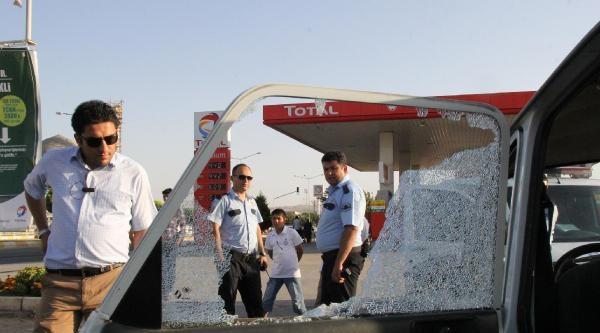Şanliurfa'da Otomobile Tabancayla Ateş Açıldı