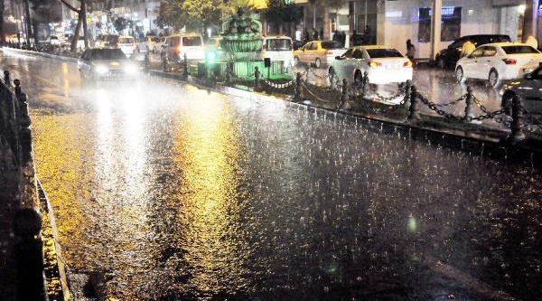 Şanliurfa'da Sağanak Yağmur