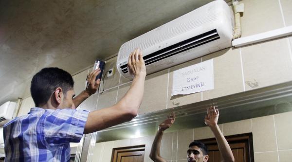 Şanliurfa'da Tuvalete Klima Taktılar