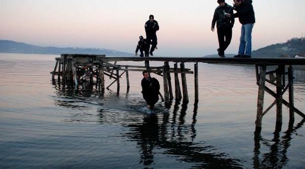 Sapanca Gölü'nde Balik Avlarken Suya Düşüp Öldü