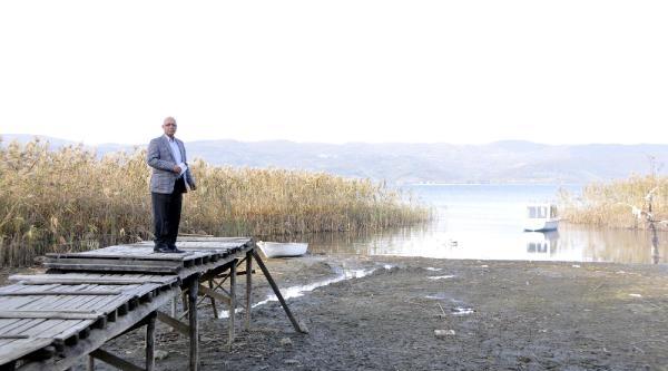 Sapanca Gölü'nde Endişe Veren Çekilme