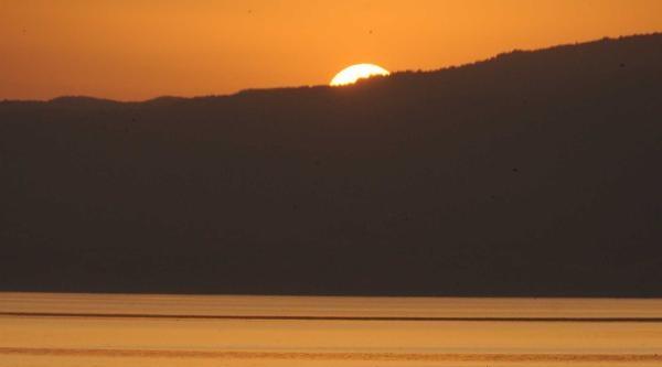 Sapanca Gölünde Gün Batımı
