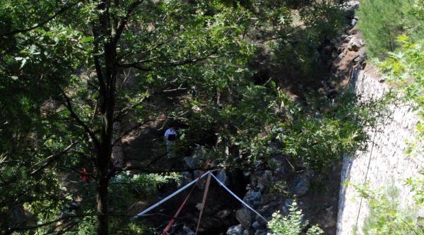 Şarampole Uçan Lpg'li Otomobil Yandı, Sürücü Öldü