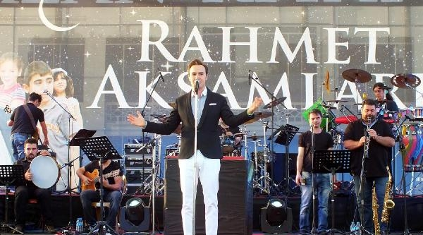 Şarkici Mustafa Ceceli'den, Konya'da İlahi Konseri