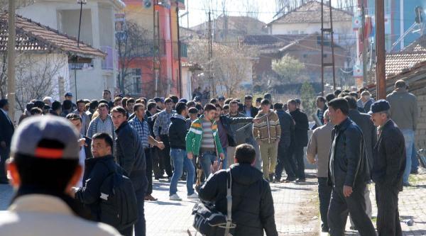 Seçim Kavgasını Polis Havaya Eteş Açarak Durdurdu: 8 Yaralı