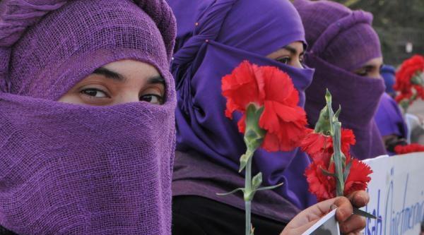 Şefkat-Der Kadina Şiddetin Nedenlerini Araştirdi