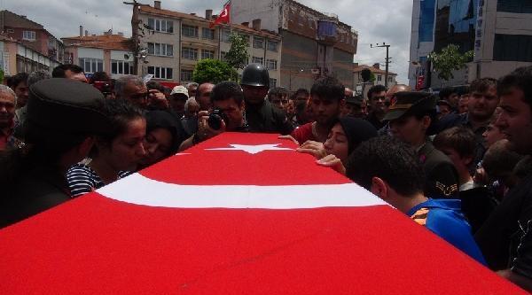 Şehit Er Erdoğan Son Yolculuğuna Uğurlandı