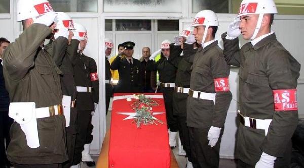 Şehit Er, Erzurum'da Gözyaşlariyla Toprağa Verildi