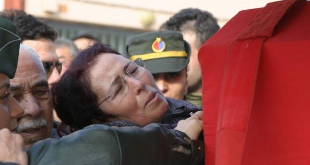 Şehit pilot Emre Acar Söke'de toprağa verildi...