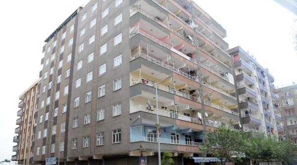 Sekiz Katlı Bina Çökme Tehlikesine Karşı Boşaltıldı