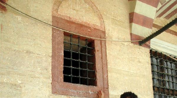 Selimiye Camii'nde Kapısı Örülen Odaya İnceleme