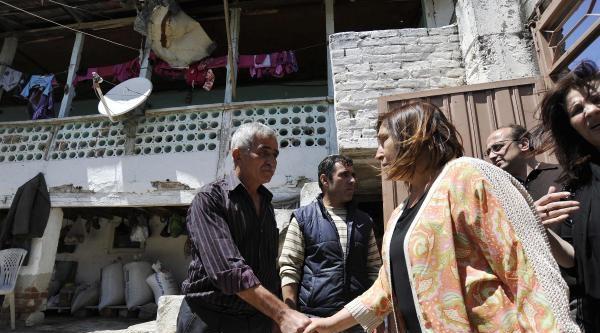 Selvi Kılıçdaroğlu Ve Kızı Zeynep, Maden Şehidi İkizlerin Baba Evinde