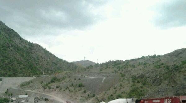 Şemdinli'de 2 İş Makinesi Yakıldı (ek Fotoğraf)