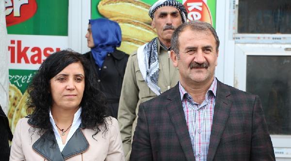 Şemdinli'de Bdp Adayı Seferi Yılmaz Başkan Seçildi