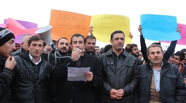 Şemdinli'de Elektrik Kesintisi Protestosu
