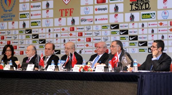 Seminerde Antalya'ya Spor Yatirimi Tartişmasi