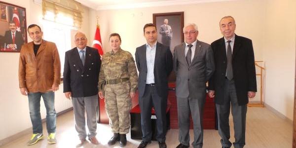 Şenay Komutana Destek