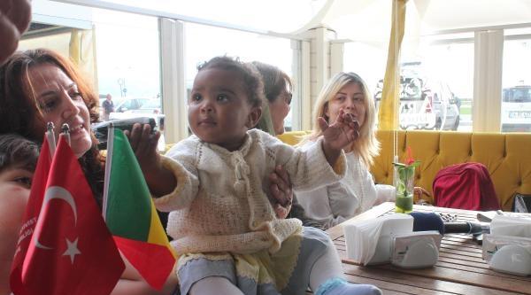 Senegal Başbakanın Yeğenine İzmir'de Doğum Günü Kutlaması