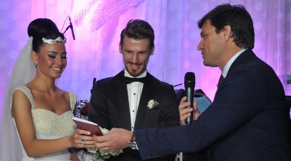Serdar Aziz Evlendi