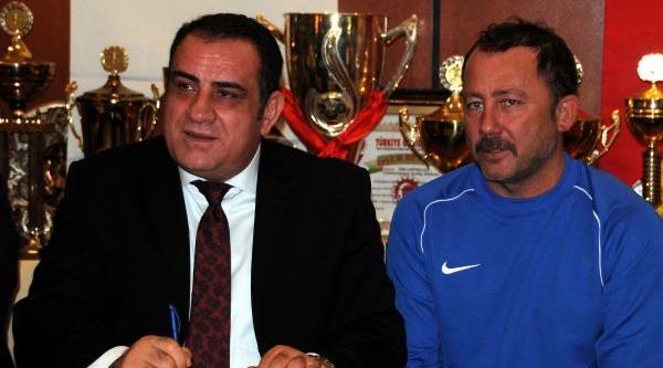 Sergen Yalçin Gaziantepspor Ile Sözleşme Imzaladi