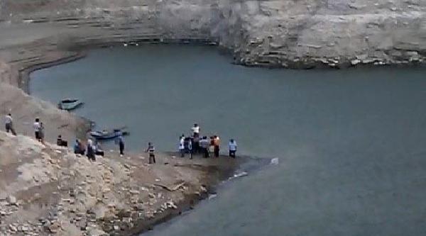 Serinlemek İçin Girdiği Baraj Gölünde Boğuldu