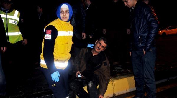 Servis Midibüsü İle Halk Otobüsü Çarpişti: 20 Yaralı
