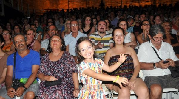 Şevval Sam Ve Kurtalan Ekspres'ten Bodrum'da Unutulmaz Konser
