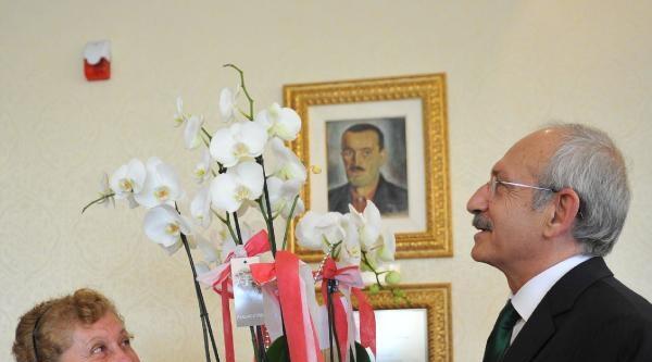 Seyit Hacı Kureyş Dergahı Başkanı Ve Yönetim Kurulu Üyeleri, Kılıçdaroğlu'nu Ziyaret Etti