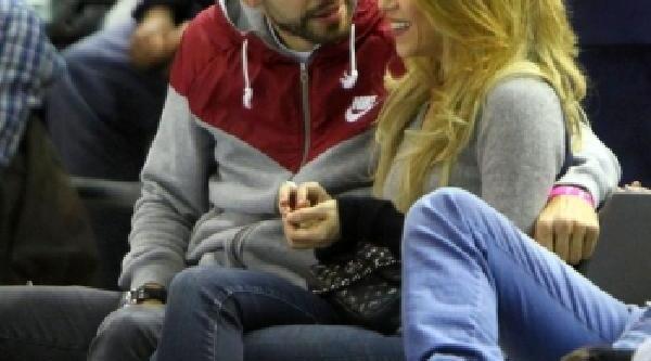 Shakira Ve Pique Ayrilik Iddalarina Yaniti Fenerbahçe Ülker Maçini Izlerken Verdi