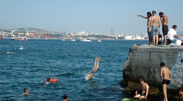 Sıcak Bunalan Vatandaşlar Sahile Akın Etti (fotoğraflar)