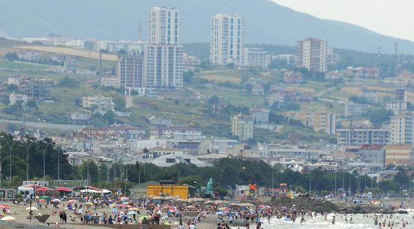 Sıcak Havayla Birlikte Plajlar Doldu