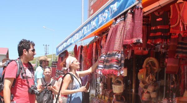Sıcaktan Bunalan Turistler Ordu'nun Yaylalarına Akın Etti