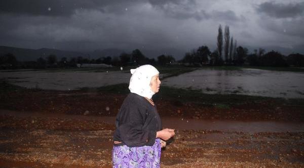 Şiddetli Yağmur Muğla'Yi Vurdu