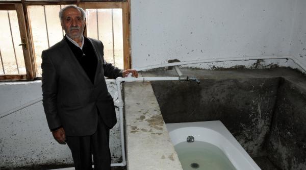 Şifali Su Kaynağini Evinde Kullanmaya Başladi