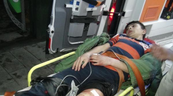 'sigaram Yok' Diyen İlköğretim Öğrencisi Bacağından Bıçaklandı