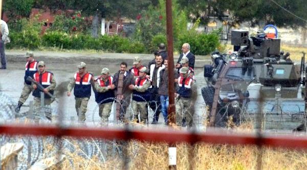 Siirt'ten 70 Hükümlü Bandirma'ya Nakledildi