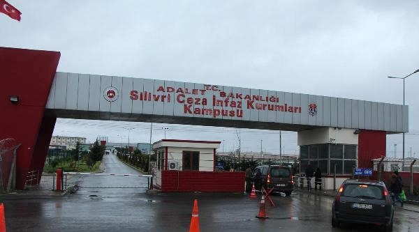 Silivri Cezaevi Önünde Güvenlik Önlemleri Alındı